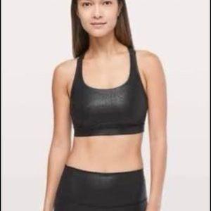 Lululemon energy bra Luminosity foil print in black  Size 8